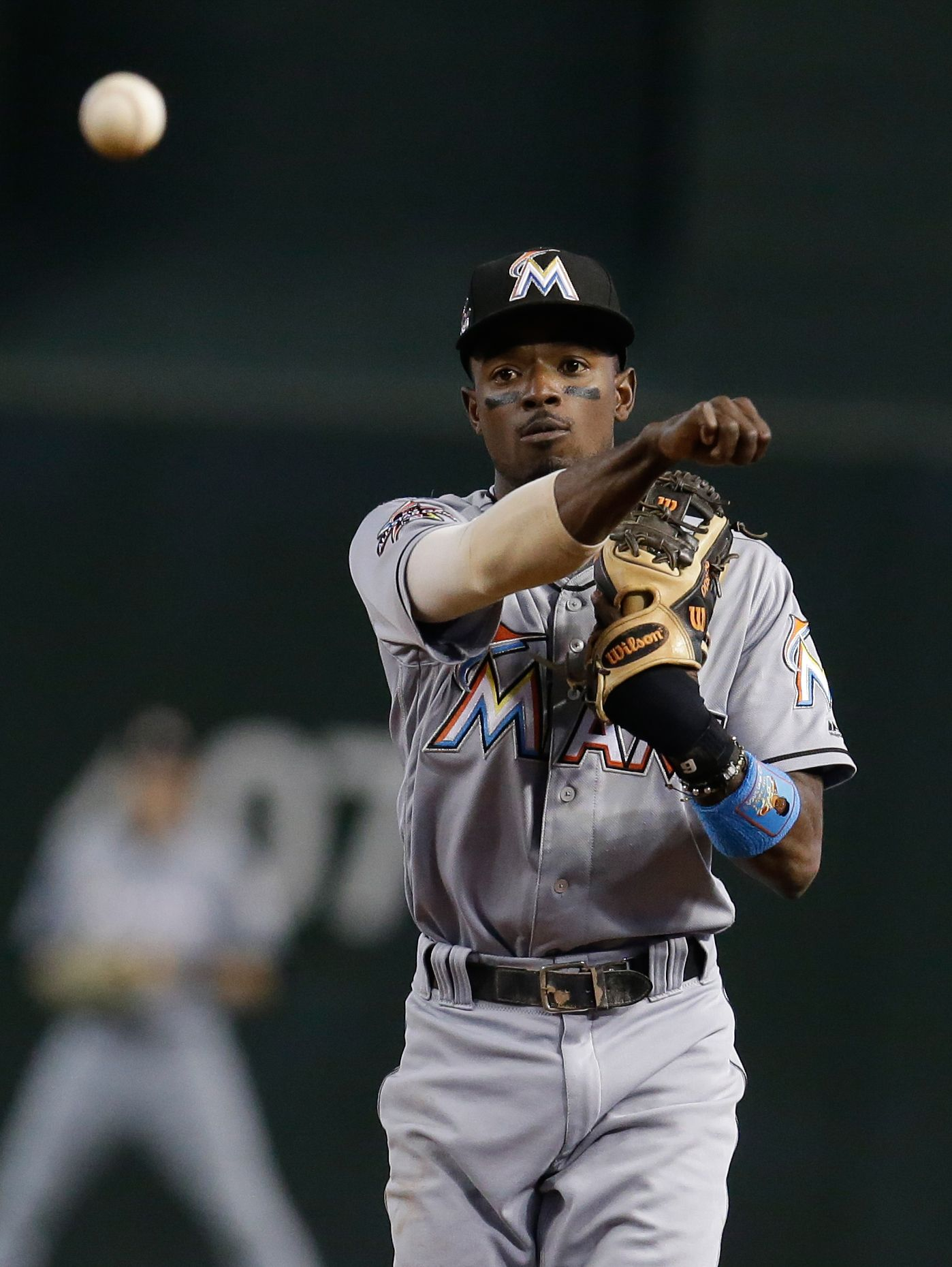Mariners acquire 2B Dee Gordon in trade with Marlins