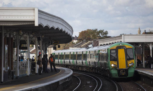 Train drivers' union suspends ballot for strike action on southern services