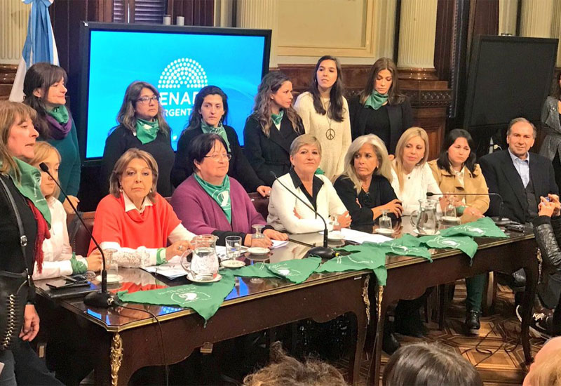 "Aborto legal: Macri ""ratificó la libertad de acción"" en el Senado"