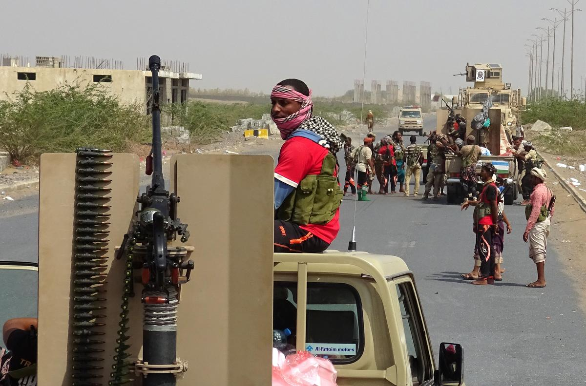 Locals in Yemen's Hodeida flee amid clashes