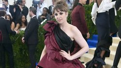Lena Dunham posts nearly nude selfie