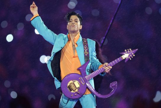 Prince's six siblings are heirs to his estate, judge confirms