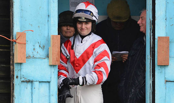 Horse that refuses to be ridden by a male jockey wins at Wetherby