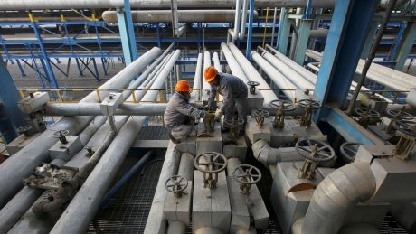 Oil prices extend losses