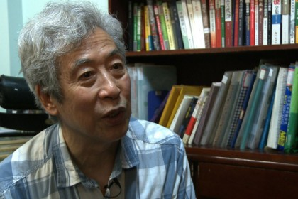 Elderly Chinese dissident arrested during live TV interview