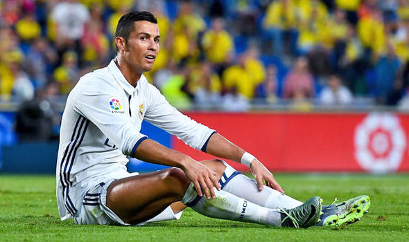 Zinedine Zidane denies rift with Cristiano Ronaldo: Man Utd have dropped their interest