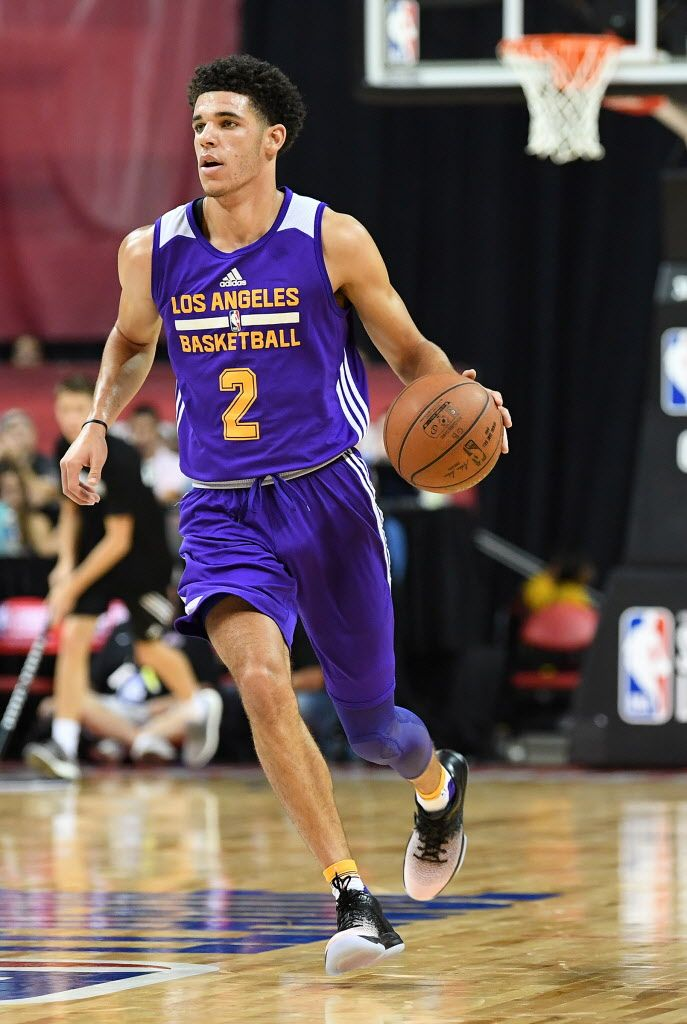 Lonzo Ball leaves Lakers' Summer League playoff win with calf strain