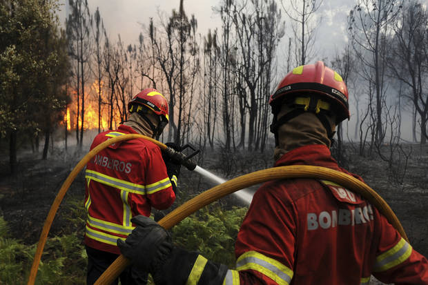 Portugal awaits foreign help to fight deadly wildfires