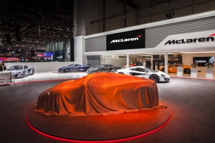 Apple 'in talks' to buy McLaren for up to £1.5bn